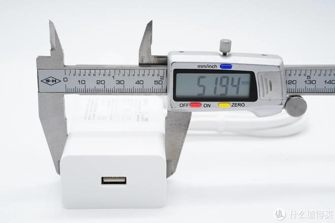 拆解报告:BULL公牛40W超级快充延长线插座