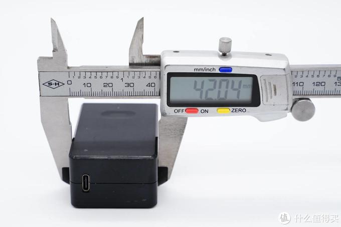 拆解报告:AcBel 65W PD快充充电器WAH232