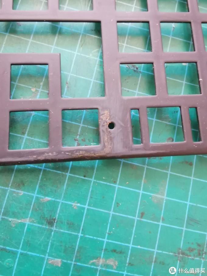定位板的这些生锈的地方经过简单的打磨