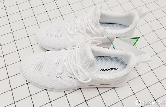 咕咚新品&智能跑鞋5K:缓震透气,健身运动好伴侣