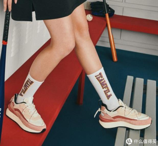 国潮风尚,推荐几款好看好穿的国产品牌女士运动鞋
