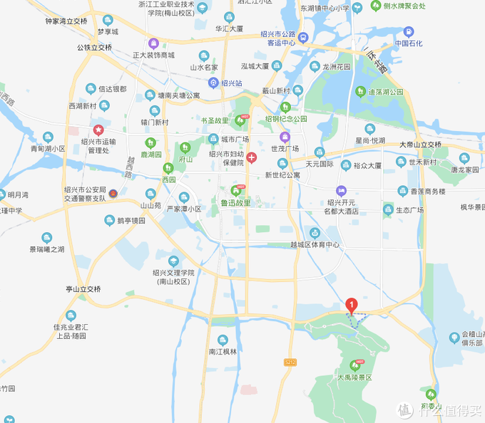 图中标红的数字1就是酒店,可以看到是已经在郊区了离开鲁迅故里很远