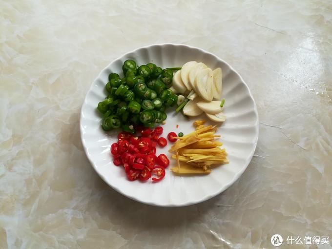 这食材很多人当垃圾扔,简单一炒,下酒又下饭,常吃健脾消积食