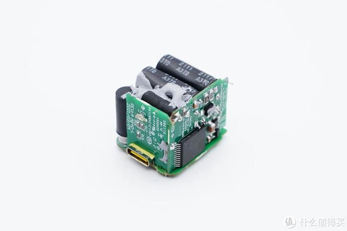 拆解报告:Aohi奥海迷你30W氮化镓快充充电器