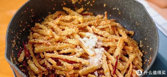 开胃小菜干煸藕丝,麻辣鲜香超下饭
