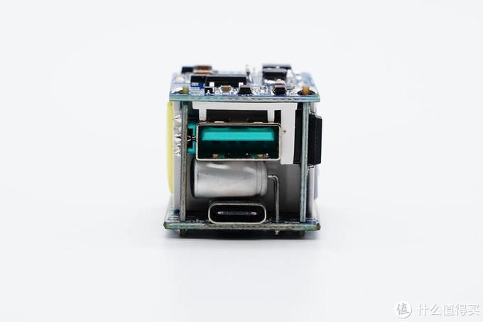 拆解报告:JOYROOM机乐堂20W 1A1C快充充电器
