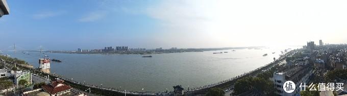 振风塔塔顶远眺长江
