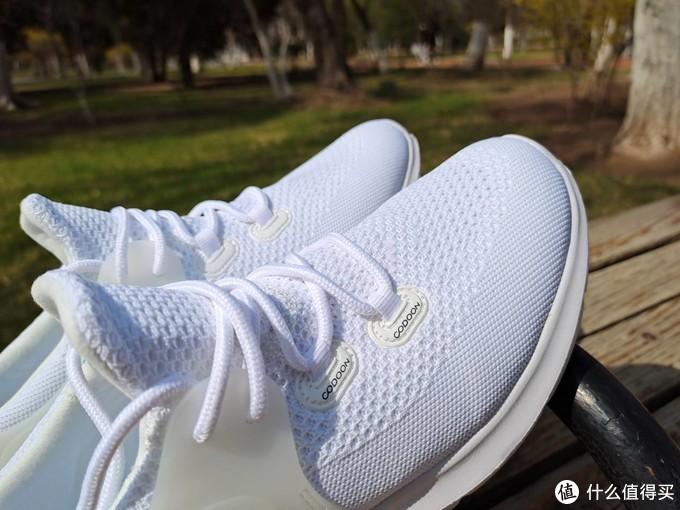 百元跑鞋实现智能化,还附带免费姿势矫正服务