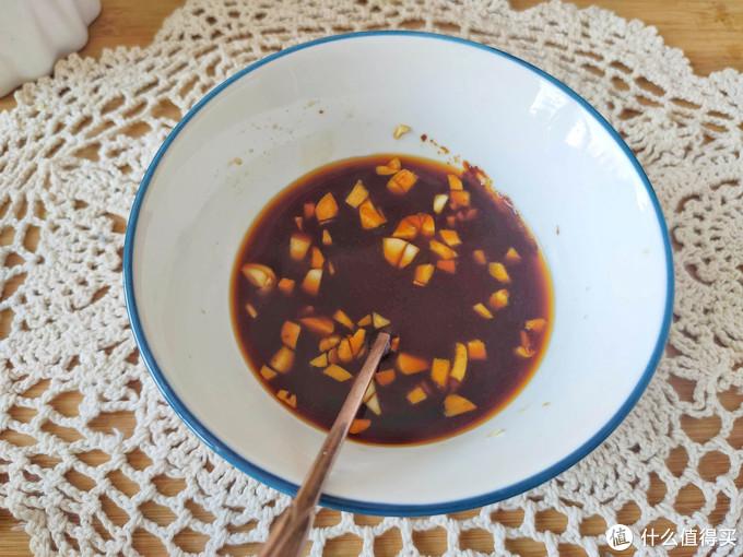 青椒酿肉这样做吃着更方便,酸辣过瘾,一口一个,配上米饭太香了