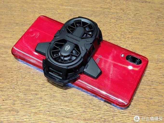 红魔双核散热背夹,夏天手机避暑降温的空调