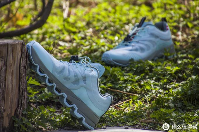 轻薄软弹、奔跑如风:诺诗兰多路面跑鞋SKY1.0 ECO版