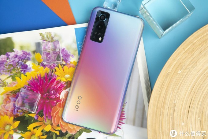 5G性能先锋重构千元档位 iQOO Z3手机评测