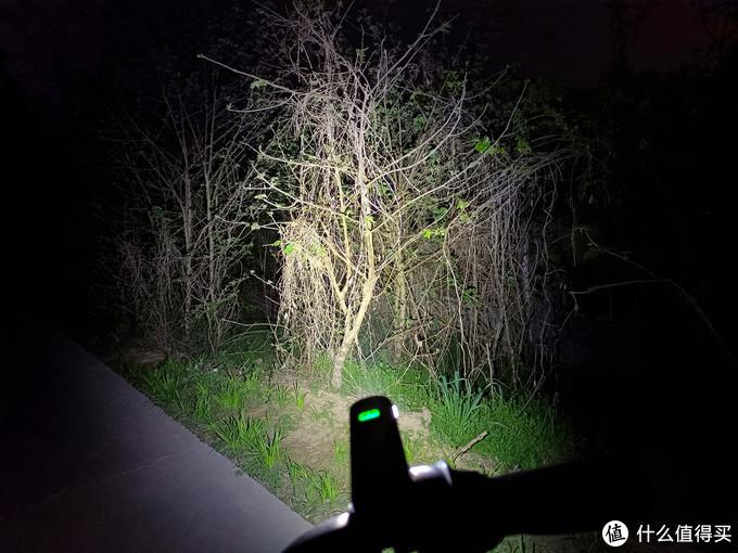 一骑红尘防炫目,夜行安全来守护!迈极炫RN900&RN120车/尾灯体验