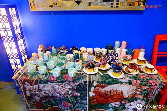 重庆的小众集市商铺,洛可可与巴洛克的结合,顾客只拍照不购物