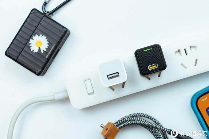 它为什么能让我果断把苹果18W充电器投入环保回收箱:AOHI Magcube30W 评测体验