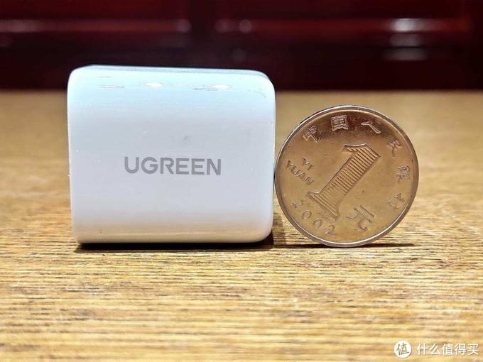 对比体验绿联新旧两款20W PD充电器,绿联小金刚表现更优秀
