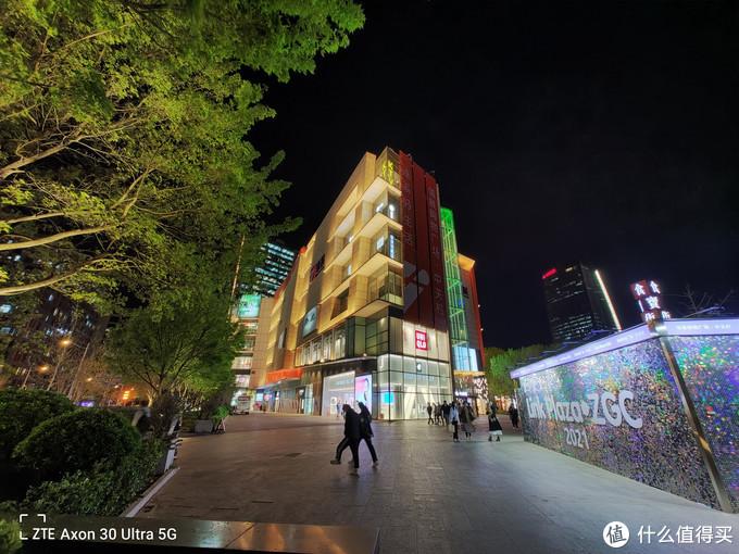 超广角夜景模式样张。