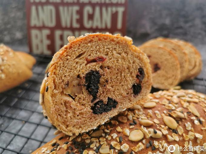 教你做纯全麦面包,无糖无油的配方,麦香浓郁越嚼越香,减脂必备