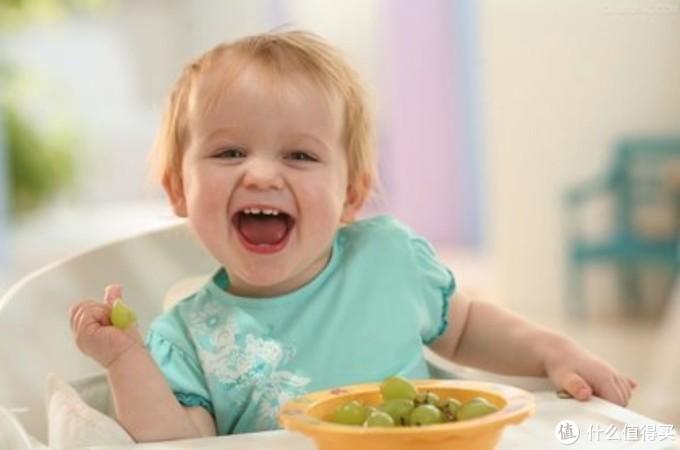 让孩子爱上自己吃饭,几招轻松搞定!
