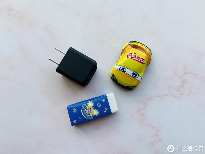 更小身材,更大能量,AOHI 30W PD 微型快充充电器开箱体验