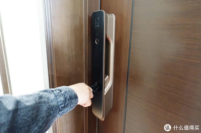 Aqara智能猫眼锁H100,不仅是打开一扇门,更是给你全屋智能联动