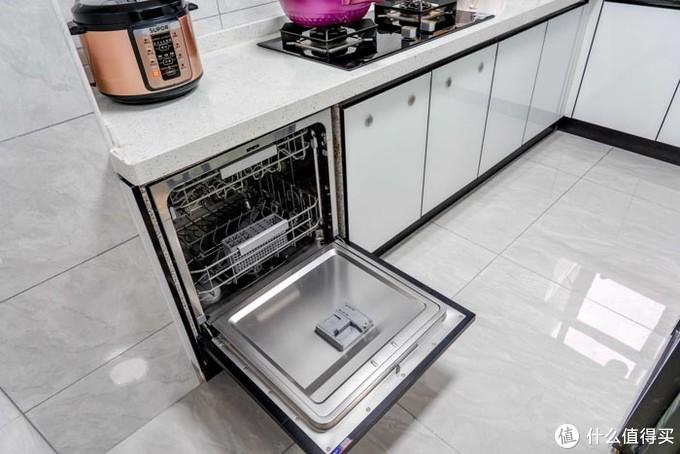 云米互联网洗碗机评测:还在用手洗碗吗?洗碗机的幸福生活体验