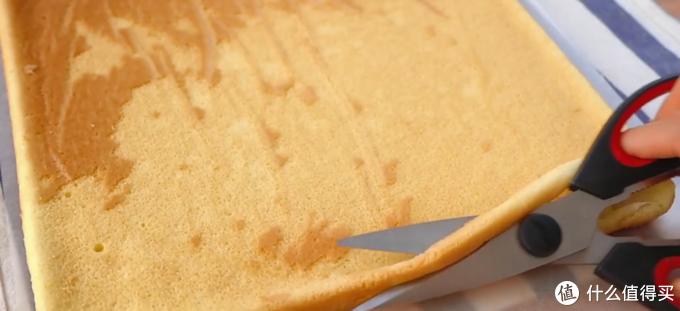 自制虎皮蛋糕卷,吃起来非常软