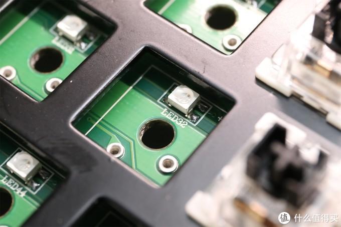 小键盘的顶配,热插拔都来了——新贵GM610无线键盘