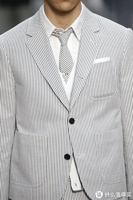 识衣间 VOL.120:把传统西装玩出不同,Thom Browne千百种灰色的魅力