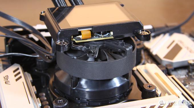 这个FURY有点可爱!11600K装机展示,超频、灯效全要素到位