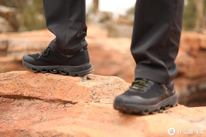 诺诗兰SKY健行鞋再升级,防滑防水更防撞