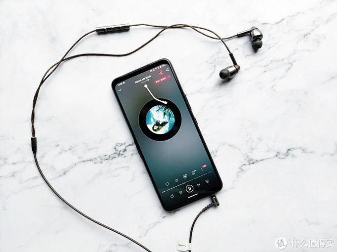 腾讯ROG游戏手机5评测:与普通手机迥然不同的游戏体验