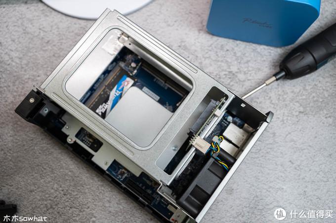 打造更强悍软路由丨6口2.5G 、2盘位、J4125,威联通TS-253D的斜杠玩法