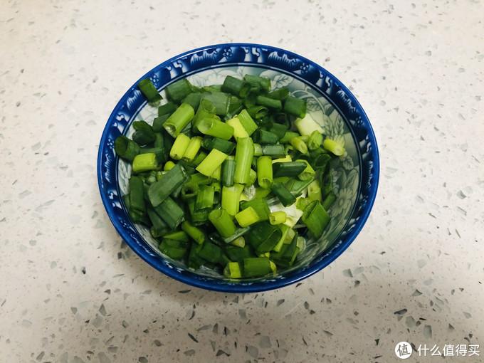 做小葱拌豆腐,选择老豆腐还是嫩豆腐,很多人选错了,难怪不好吃