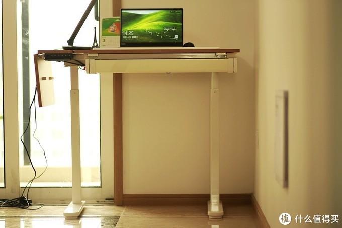 坐站交替 翻转折叠 乐歌ET6多功能绘画制图电动升降桌