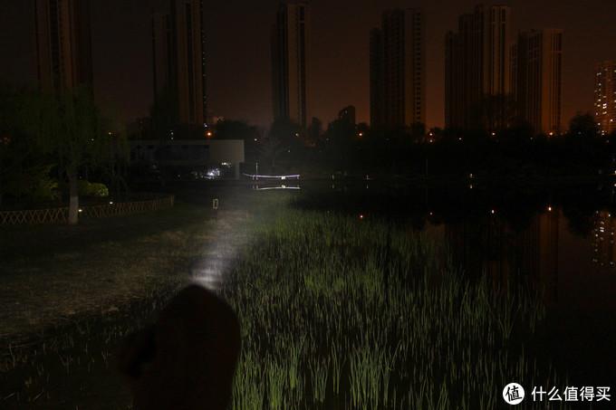 1800流明照亮深夜的路,傲雷M2R Pro体验