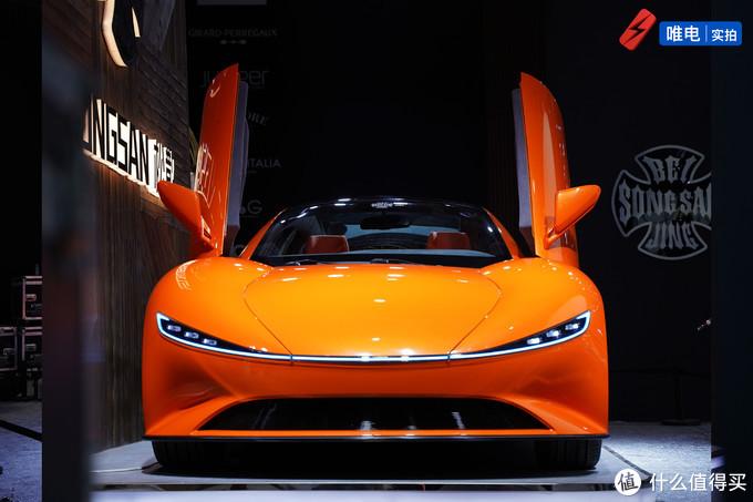 剪刀门+对开门炫酷设计,松散SS GT复古宽体纯电动概念跑车实拍