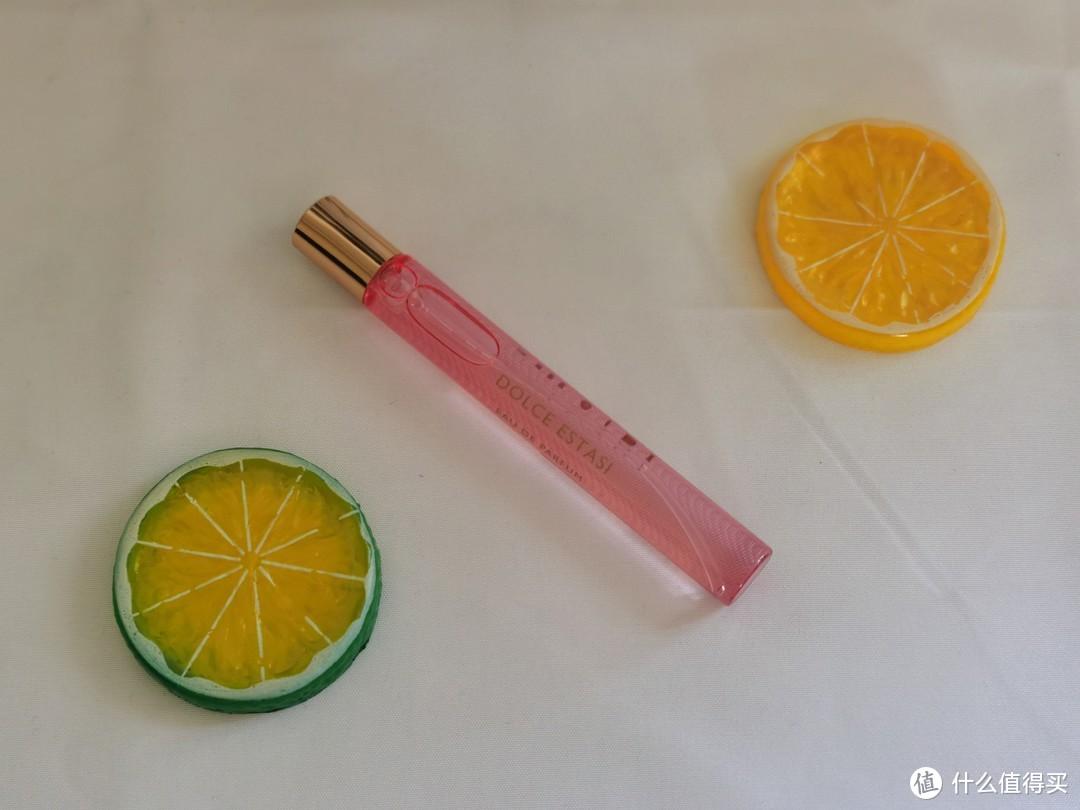 开新香:初夏甜美气息扑面而来,宝格丽甜美狂想女士香水评测