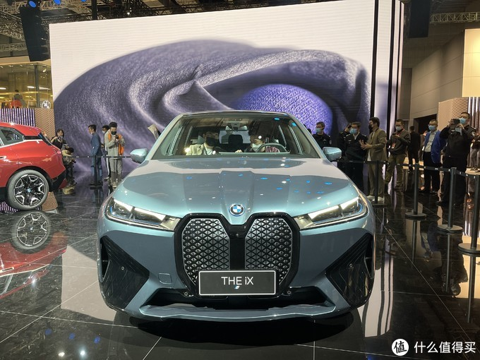 2021上海车展:宝马iX亮相 这个大嘴和两联屏你爱了吗?