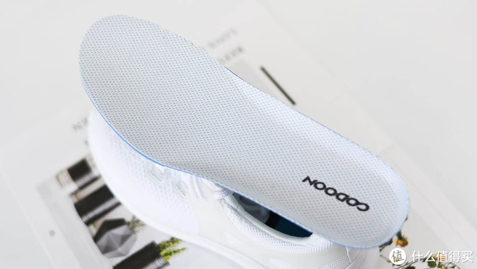 咕咚智能5K跑鞋2.0:轻量运动 通勤百搭