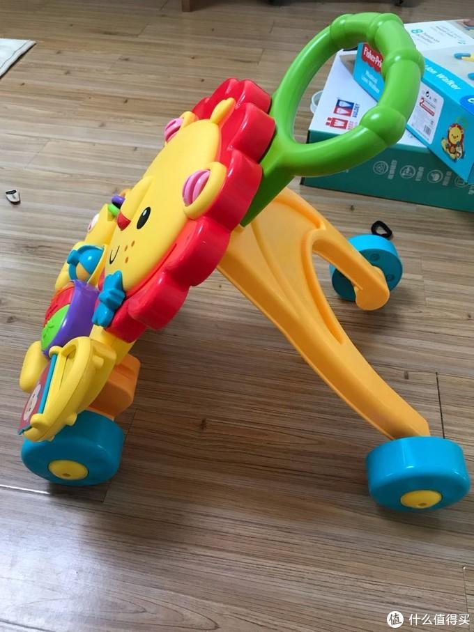 费雪儿童学步车小狮子,音乐太少了