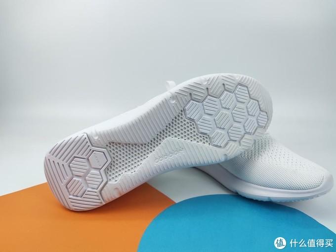 穿什么跑?咕咚智能鞋 走跑两相宜 减震又耐磨