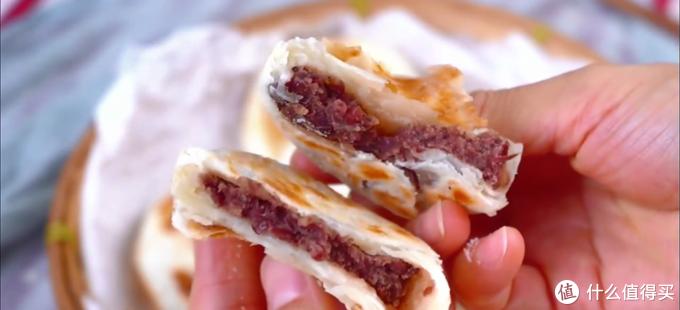 自制千层红豆饼,每一层都特别薄,红豆内馅非常足