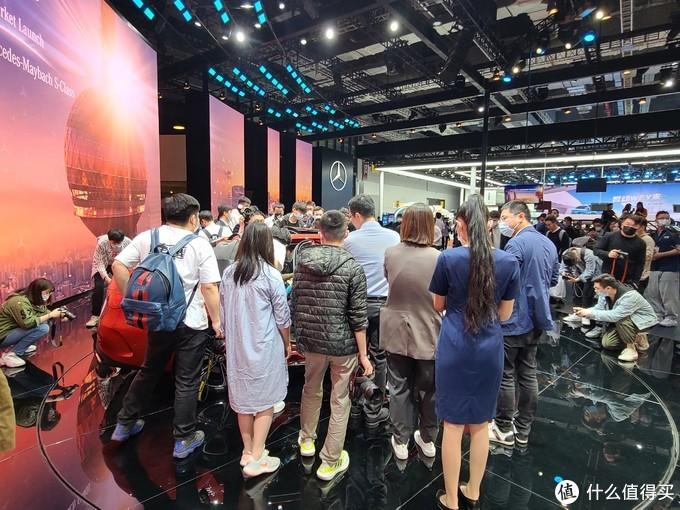 2021上海车展:爆款预定?北京奔驰全新一代长轴版C级亮相