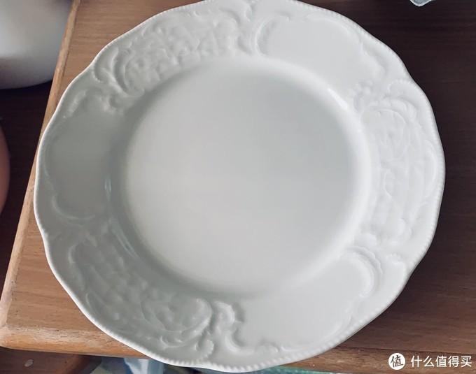 购于二手店的德国瓷盘,我比较喜欢这种没有贴花的素纹瓷器