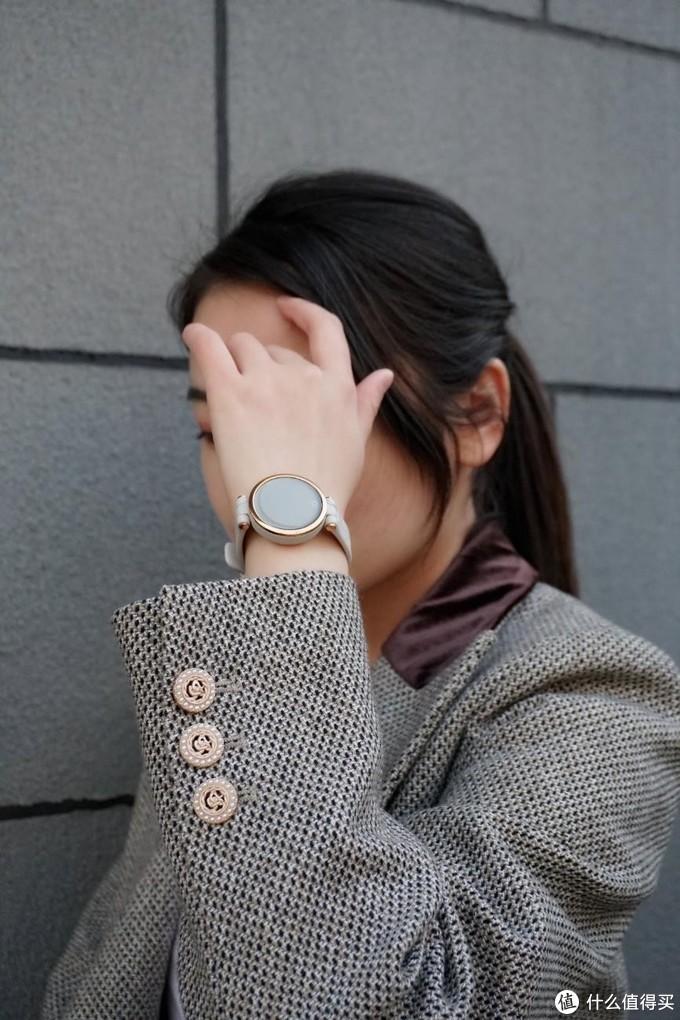 专门为女性做的智能手表,性价比颜值二选一,佳明Lily上手