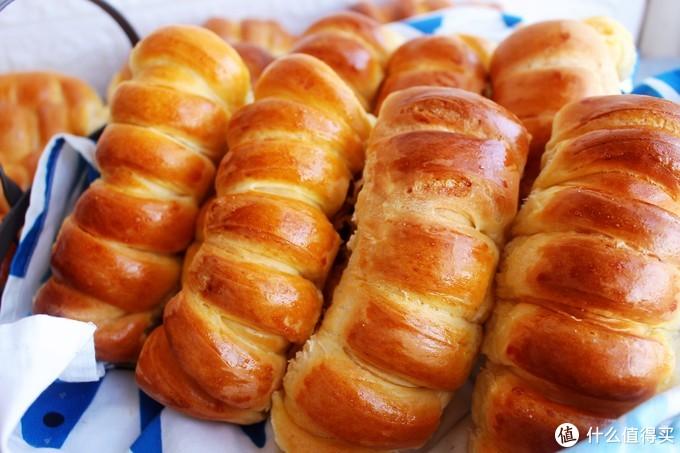 为什么别人做的面包花一样,你做的像一坨翔?记住这个小诀窍,为你的面包巧上妆!