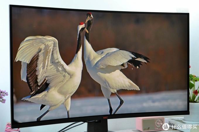 细腻显示,超高刷新,HKC SG32QC显示器,游戏工作都给力!