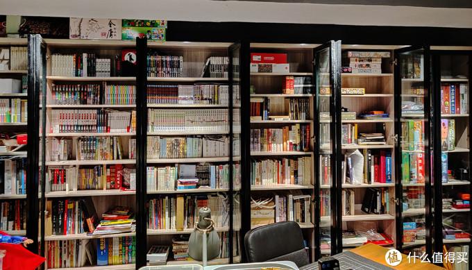 我的主力书柜,漫画占了其中比较大的比例