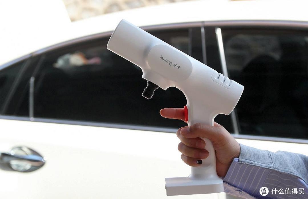 大冲力无线洗车机选哪款?测评乐空高压锂动力,一瓶水一辆车